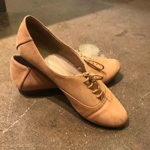 NaturaLizer Leather Tan Lace-up flats Size 8